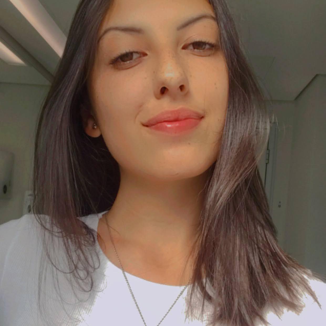 Beatriz Gidzinski Cardoso Gomes